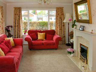 AVALON ground floor semi-detached cottage , near beach, family friendly in Abergele Ref 13958 - Abergele vacation rentals