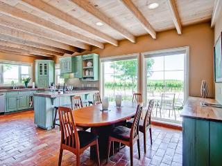 Vina Robles Vineyard Guesthouse at Pleasant Valley--As Tasteful as the Wine! - San Miguel vacation rentals