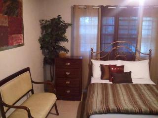 Tangerine Sunsets - Fairchild Villa 505 - Nassau vacation rentals