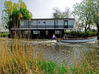 Houseboat/Watervilla more Dutch you can not get! - North Holland vacation rentals