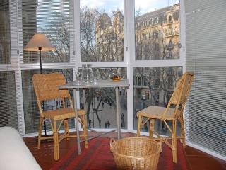 Rambla F - Centric Apartment - Barcelona vacation rentals