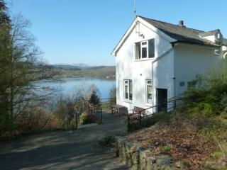 BEECH HOW COTTAGE, Bowness on Windermere - Bowness & Windermere vacation rentals