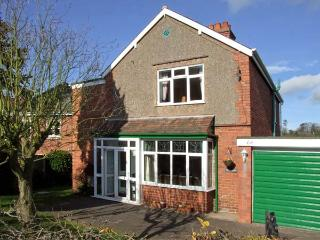 LONINGSIDE, family friendly, country holiday cottage, with a garden in Wombourne, Ref 9195 - Stourbridge vacation rentals