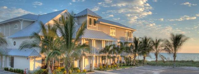 2br Luxury Beachfront Condo on Anna Maria Island - Image 1 - Holmes Beach - rentals