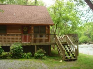 """River Houz"" - Ellijay vacation rentals"