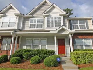 Kelsey Condo close to CHS, beaches and downtown - Charleston vacation rentals