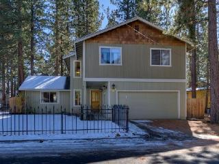 2,316sqft Luxury Home on Bike Trial W/ 11 Bikes - South Lake Tahoe vacation rentals