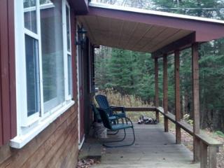 2 bedroom Cottage with Deck in Rangeley - Rangeley vacation rentals