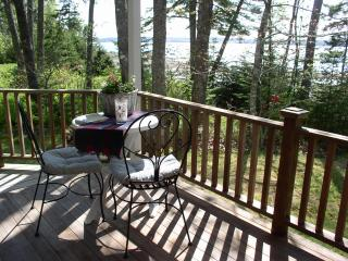 Acorn Cottage       Cozy 2 bedroom cottage - Trenton vacation rentals