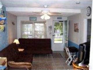Narragansett RI-beach-house- Walk to Scarborough B - Narragansett vacation rentals