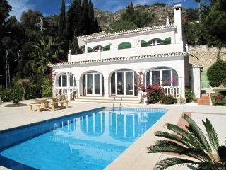 Stunning Villa only 5 minutes walk Mijas Pueblo. - Mijas vacation rentals