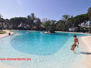 "El Presidente ""KENT"" Beachside, Heated Pool + wifi - Benahavis vacation rentals"