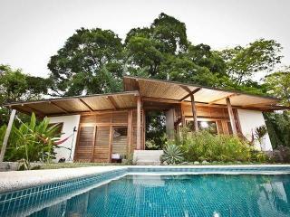 Casa Almendro dela Montana Haciena Okhra, Mal Pais - Mal Pais vacation rentals