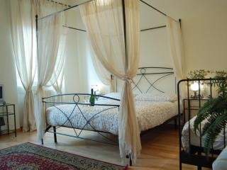 Paleario 7  black room - Rome vacation rentals