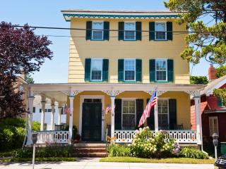 Classic Seashore Rental 220 Perry Street Cottage - Cape May vacation rentals