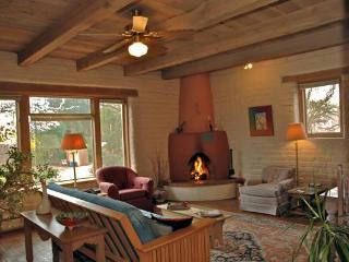 Charming adobe in Albuquerque's North Valley - Albuquerque vacation rentals