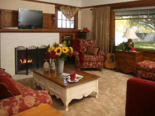 Lovely Vineyard Cottage along Lodi's Wine Trail - Lodi vacation rentals