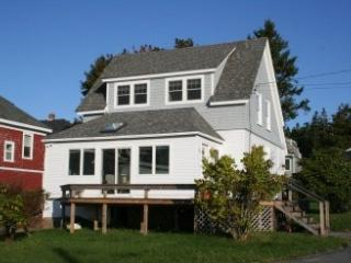 3 bedroom House with Internet Access in Stonington - Stonington vacation rentals