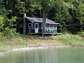 Adorable 1 bedroom House in Deer Isle with Linens Provided - Deer Isle vacation rentals