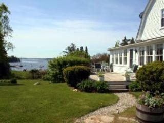 Perfect 4 bedroom Brooklin House with Internet Access - Brooklin vacation rentals