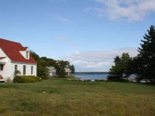 2 bedroom House with DVD Player in Deer Isle - Deer Isle vacation rentals