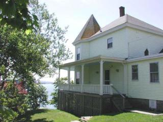 Wonderful 3 bedroom Stonington House with Internet Access - Stonington vacation rentals