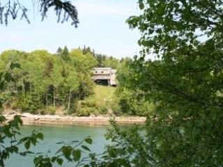 Billings Cove Cottage - DownEast and Acadia Maine vacation rentals