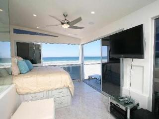 Rockaway 1 - Oceanfront Modern 1BR Luxury - Mission Beach vacation rentals