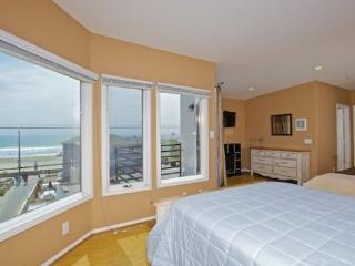 718 Sunset - Mission Beach 3BR Home - Stunning Views - Mission Beach vacation rentals