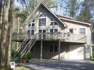 5244 GWA~4 Bedroom~Sleeps 8-10 - Blakeslee vacation rentals