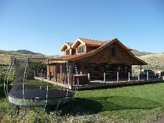 Yellowstone Park Historically Restored Log Cabins - Gardiner vacation rentals