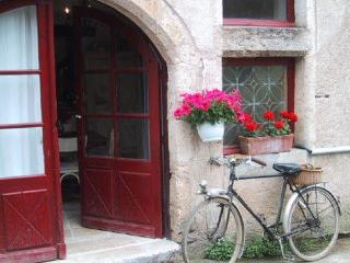 Magical, Enchanting & Medieval Maison d'Etre - Saint-Cirq-Lapopie vacation rentals
