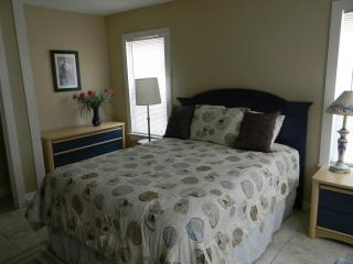Nice Condo with Internet Access and Grill - Galveston vacation rentals