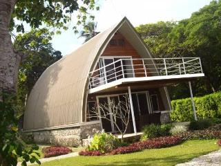 Villa BELLE, Luxury 4 Bed 2 Bath OCEAN Front - Port Vila vacation rentals