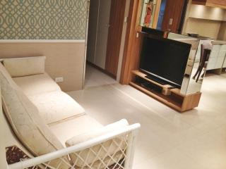 GT 2 Bedroom 2 Bath Luxurious Apartment MRT 1 SEC! - Taipei vacation rentals