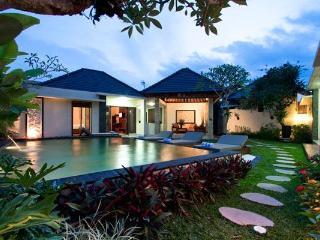 Villa Pulu - 3 Bedroom Vacation Villa in Seminyak - Seminyak vacation rentals