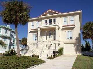 Lovely Waterfront Home with yard, Pool Access, 5 Bd, Sleeps 10, Pets ok, Fishing - Perdido Key vacation rentals
