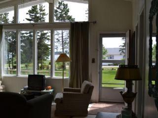 Mac's 3 bdrm Cottage, Bay Shore Rd, Stanhope, PE - Stanhope vacation rentals