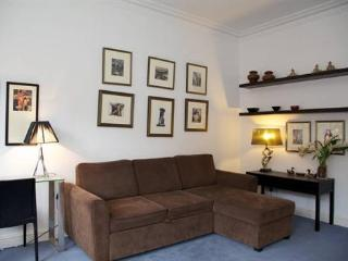 http://www.aplacelikehome.co.uk/l169-rosary-gardens-south-kensington-bqxcoepxf.aspx - London vacation rentals