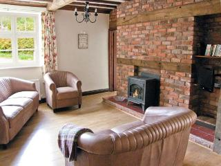 EAST COTTAGE, Grade II listed, en-suite, patio with views towards Long Mynd in Church Stretton, Ref 10297 - Church Stretton vacation rentals