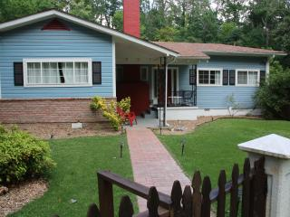 Secluded Retreat family house & POOL 1 Mile from Historic downtown - Hot Springs vacation rentals