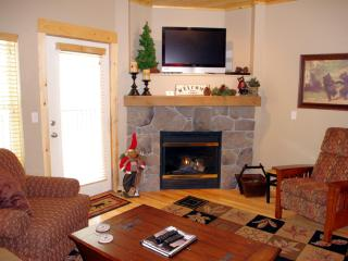 Creekside Chalet- No Cleaning Fee, Winter Deals! - Government Camp vacation rentals