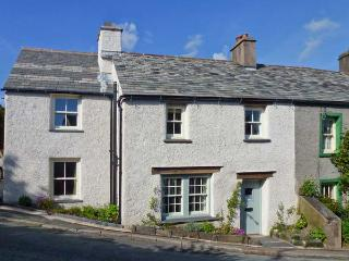 SYKEHOUSE COTTAGE, quality cottage, woodburner, summer room, garden, in Broughton-in-Furness, Ref 15732 - Cumbria vacation rentals