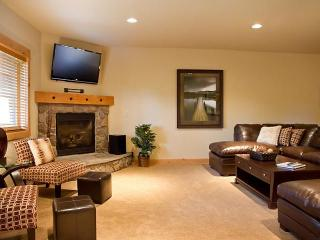 Grand Lodge Group Lodging-Book Now for Winter - Government Camp vacation rentals