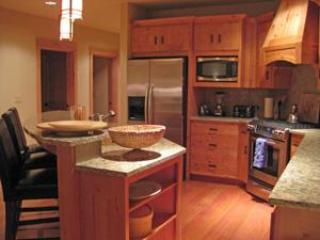 Fully Equipped Gourmet Kitchen - Listing #392177 - The Grand Lodges - Winter Savings! Pet Friendly - Government Camp - rentals