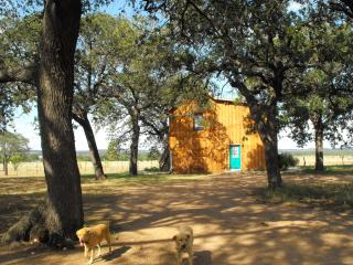 Moonrise Retreat, hill country calm - Fredericksburg vacation rentals