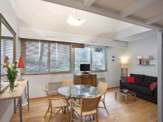 Bright and Quiet Studio Close to Beaubourg in Paris - Paris vacation rentals