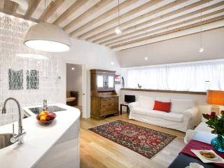 A spacious, modern, and sunny apartment in the Cannaregio district - Venice vacation rentals