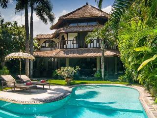 VILLA MATA HARI - PRIVATE, SPACIOUS & CENTRAL - Seminyak vacation rentals