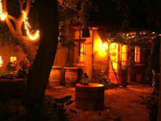 Romantic 1 or 2 bedroom close to Sonoma square - Sonoma vacation rentals